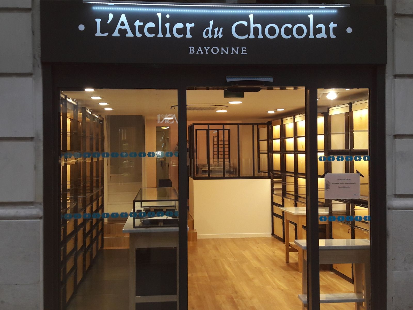ATELIER DU CHOCOLAT - Réalisations - DB BAT